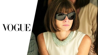 Anna Wintour | Vogue Magazine | Chief Editor | Business Women | Full Length | English
