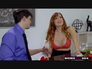 Сынок трахает мамку на День Святого Валентина, вместо отца -  Milf Anal full hd porn секс порно xxx hardcore милфа инцест