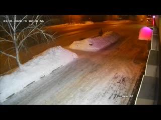Момент дтп на перекрёстке омская дзержинского