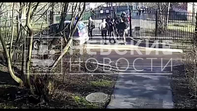 Школьная разборка петербургских подростков обернулась избиением семиклассника