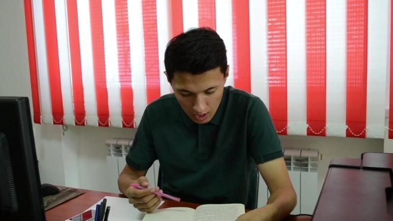Жастар таңдайды Молодежь предпочитает атты жобасына қатысушыл Шалғынбай Дамир жастарды кітап оқуға шақырады