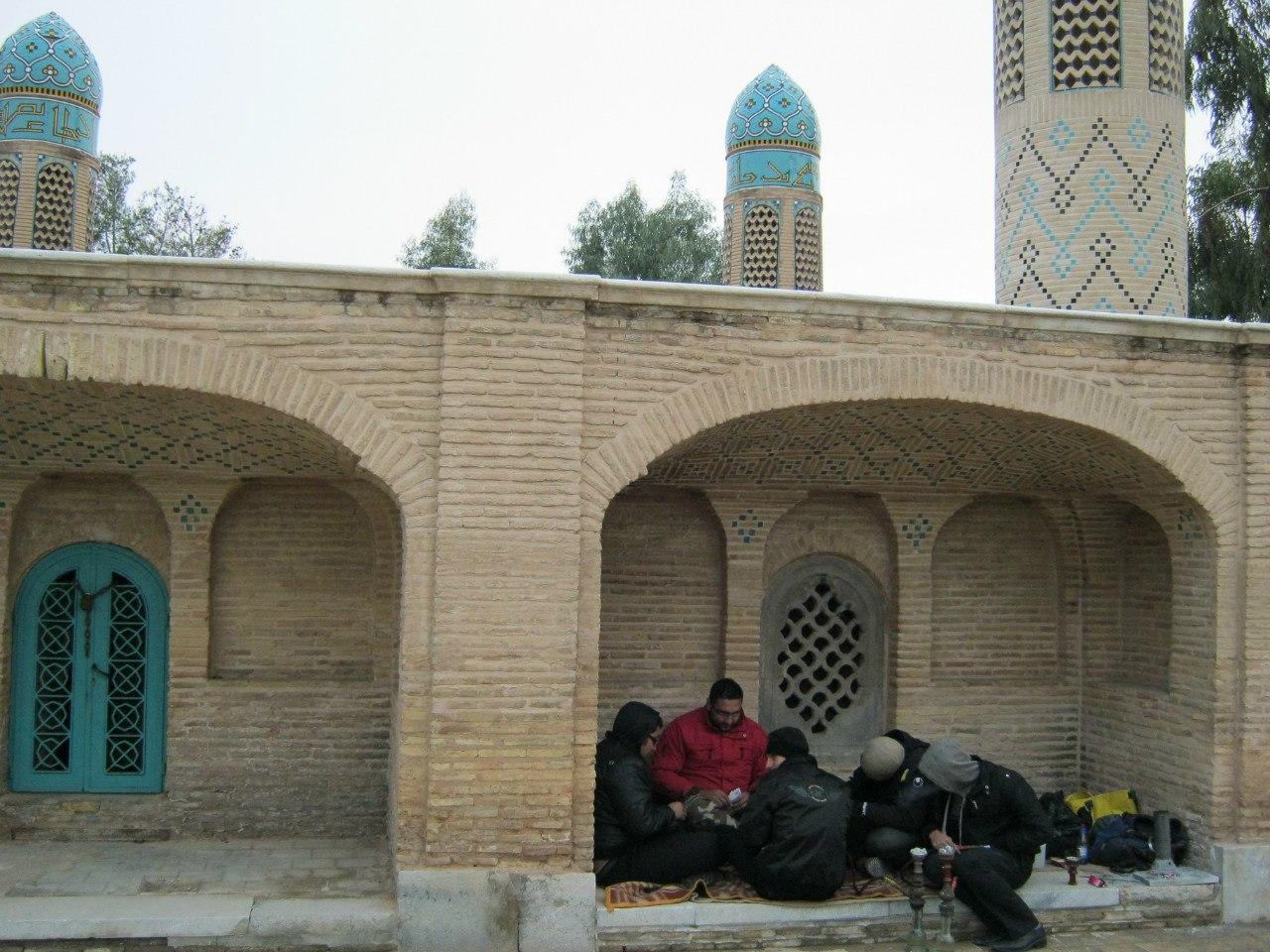 """в Иране молодёжь """"культурно"""" отдыхает"""