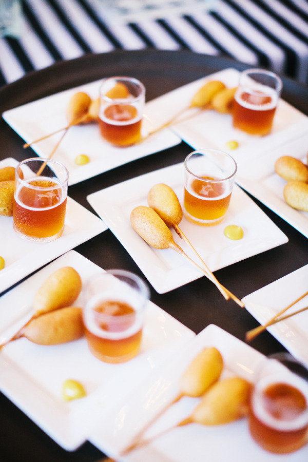 mkBXXg717tk - Красивые (и вкусные) идеи для летней свадьбы