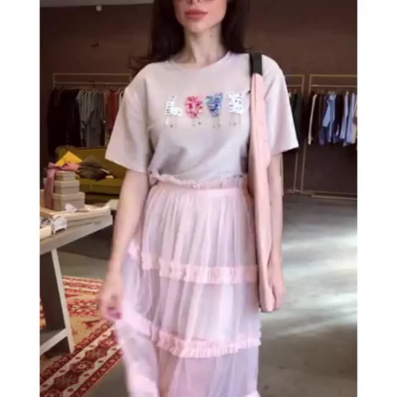 Комплект (удлинённая футболка, юбка). Два цвета: розовый, серый. Рашпер свободный (40-46). Можно носить по-отдельности 👌🏼🌸Сейча