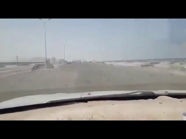 Последствия второго удара по колонне хадистов на дороге между Аденом и Абьяном