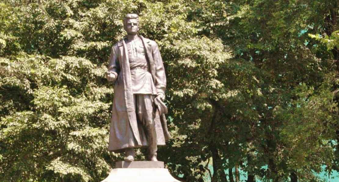 Памятник Сергею Лазо