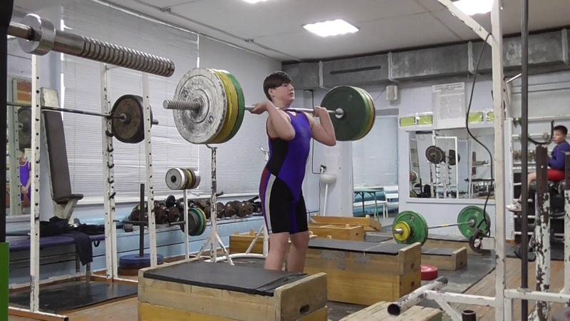 Пряничников Максим 13 лет вк 81 На грудь с плинтов 80 кг Есть личный рекорд