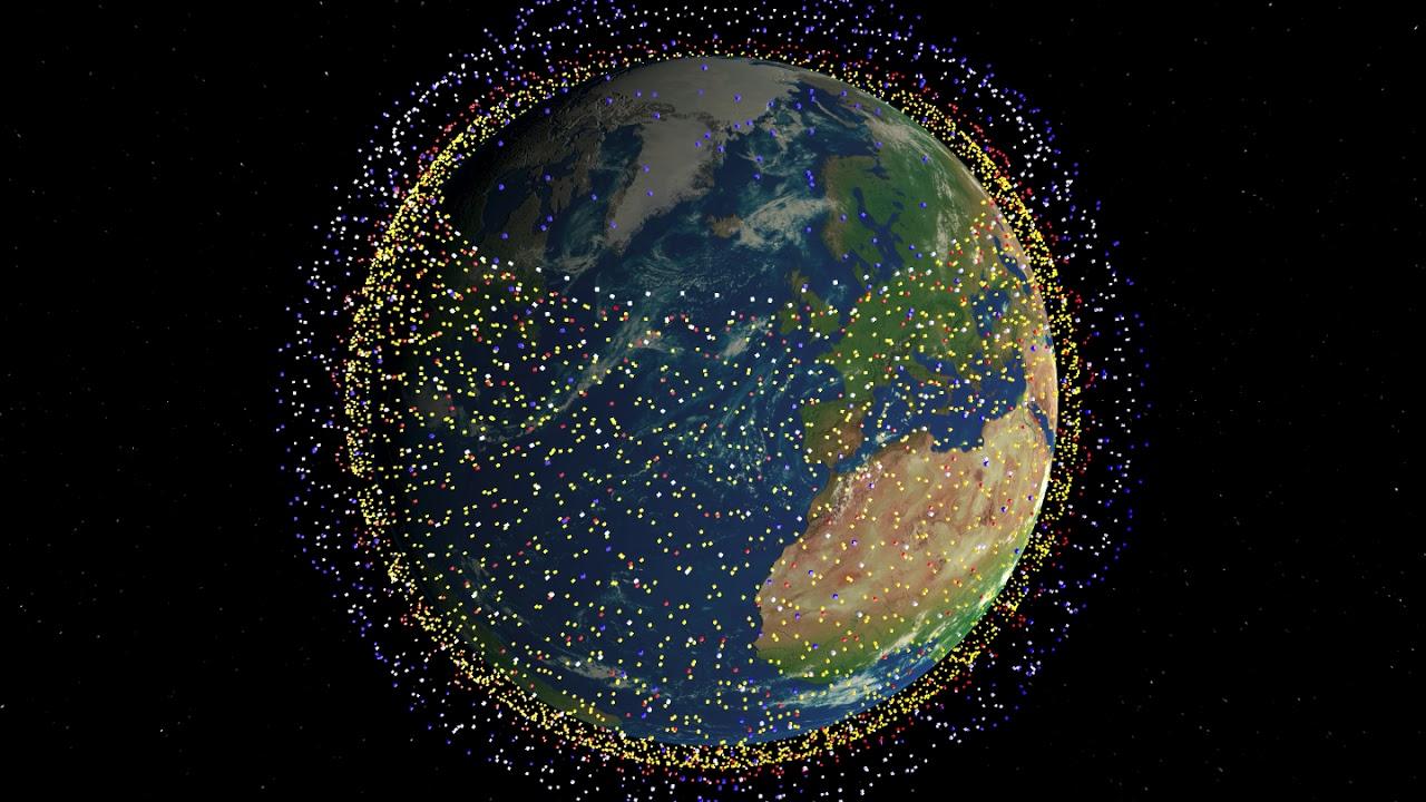 В ночном небе летают равноудалённые точки друг за другом? Теперь их будет больше