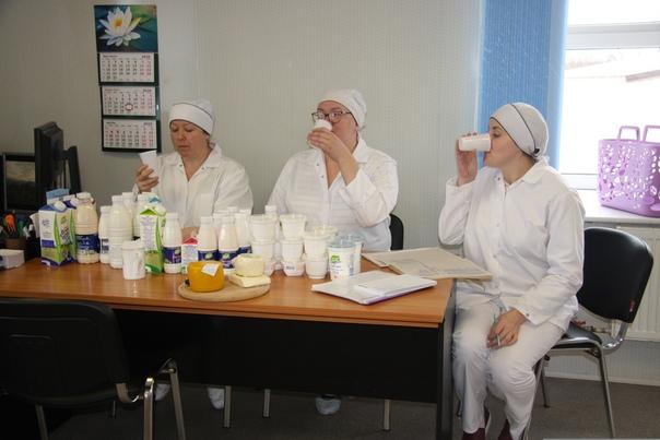 Три раза в неделю проводятся дегустации продукта на соблюдение технологии и вкусовых качеств продукта