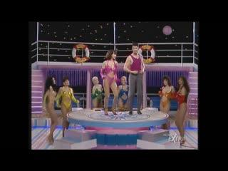 Mediaset Extra - Colpo Grosso. Стриптиз. Много голых девушек. Большие сиськи. Публичное обнажение. Частное домашнее порно (144)