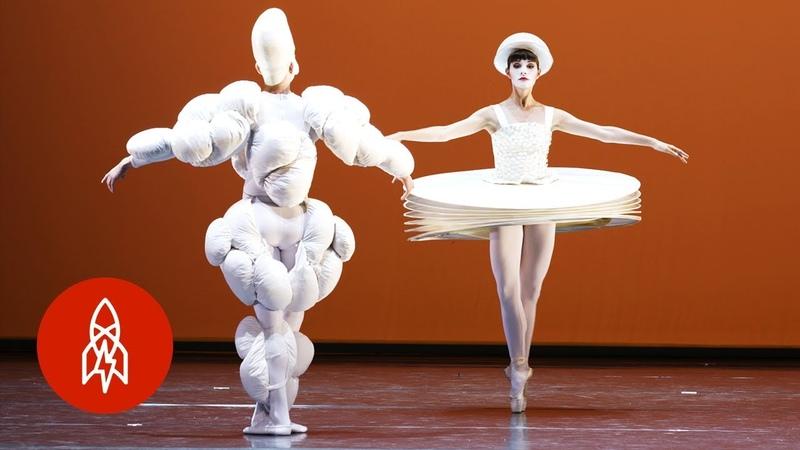 Bauhaus Ballet A Dance of Geometry