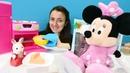 Minnie Mouse ve Sevcan tavşancık için havuçlu kek yapıyor
