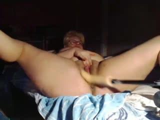 Fuck machine till squirt on cam