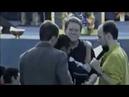 Дэйв Роберсон обнимает человека и он исцеляется