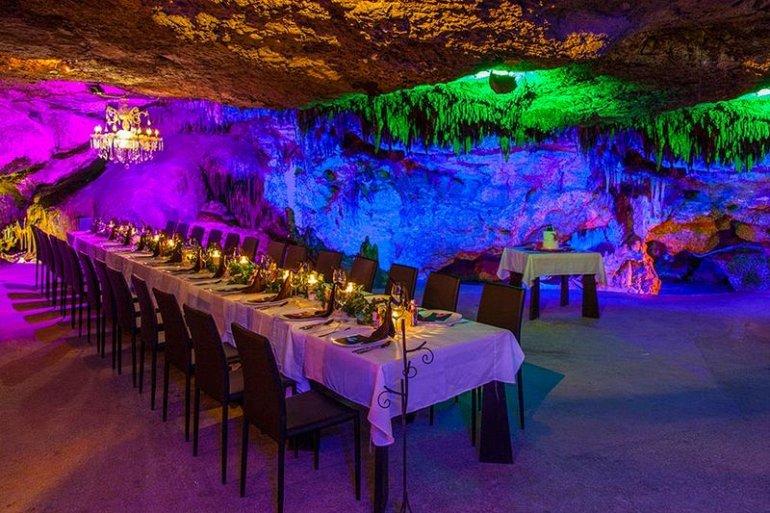 Пещерный ресторан Alux, изображение №1