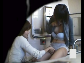 005 Lesbian Girls (SexKeyRU) скрытая камера в туалете