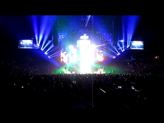 Usher concert may14 2011 TO