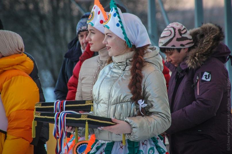 Главные отечественные ледолазные старты сезона финишировали в городе Кирове в минувшие выходные – чемпионат и первенство России по альпинизму. Всем было что доказывать и что терять…, изображение №96