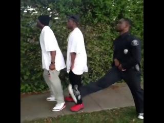 Почему гангстеры никогда не могут уити от копов (ЗЛОЙ НЕГР)