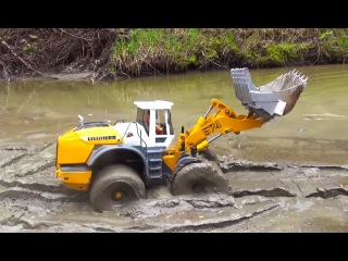 RC ADVENTURES - Stuck in the Mud