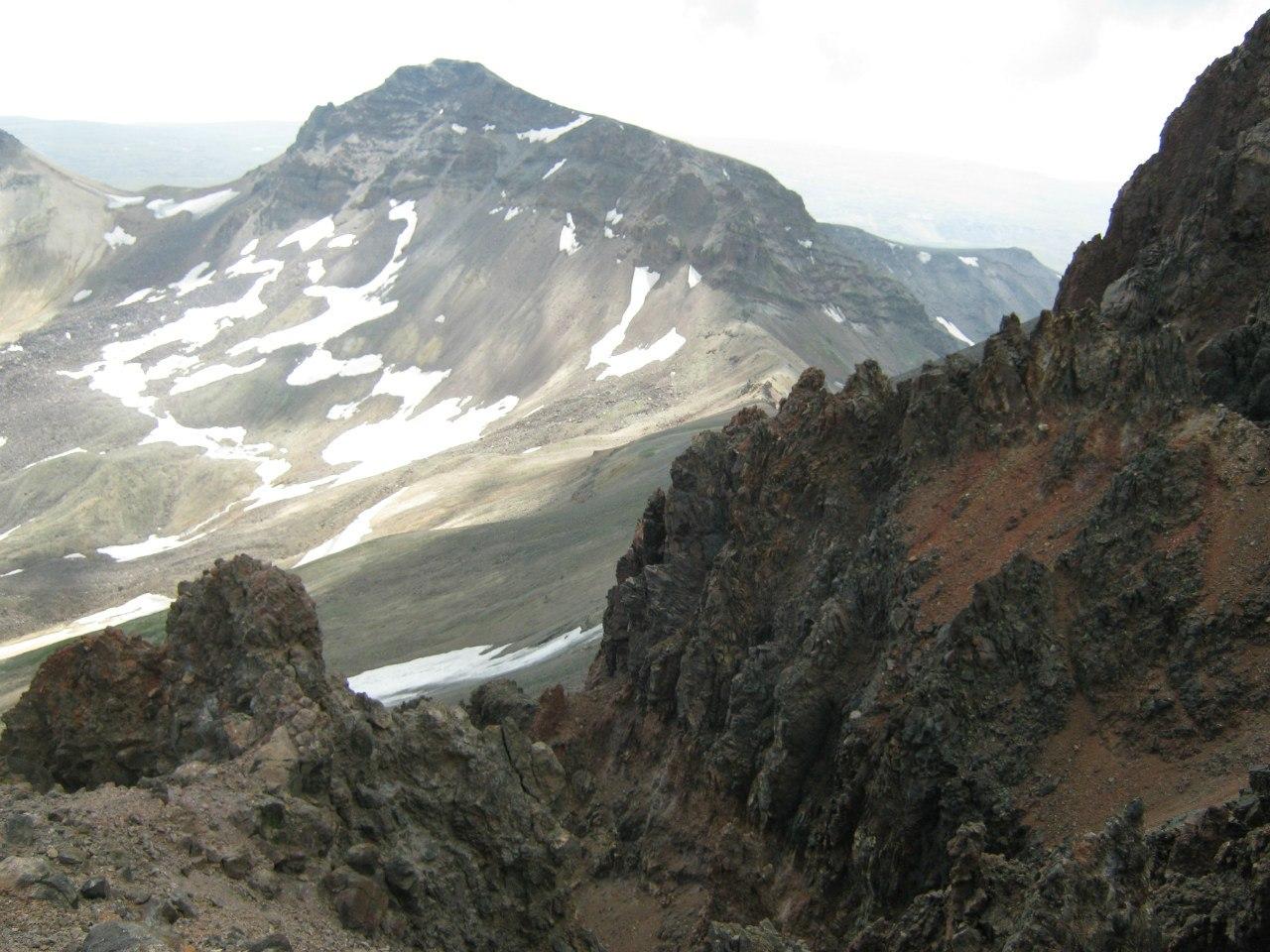 Вид с северной вершины Арагаца