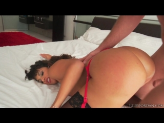 nackt- yoga pussy caprice