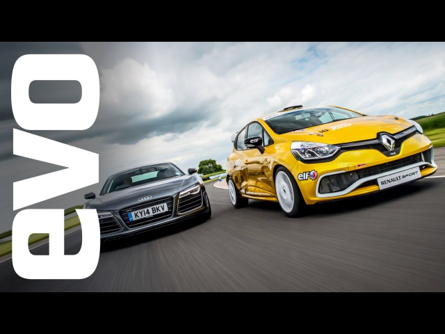 Audi R8 Plus vs Renault Clio Cup racecar Битва на гоночном треке NaZa5aske