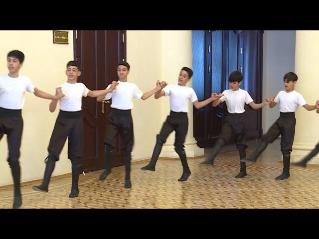 вуахахахах мне плохо Азербайджанский национальный танец КОЧАРИ