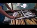 Откачка меда СТАНОК ДЛЯ РАСПЕЧАТКИ СОТОВЫХ РАМОК Extracting Honey