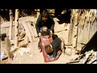 Le portage - Bébés du monde - Les Maternelles - 20 janvier 2014