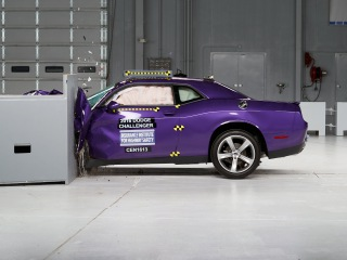 2016 Dodge Challenger small overlap IIHS crash test