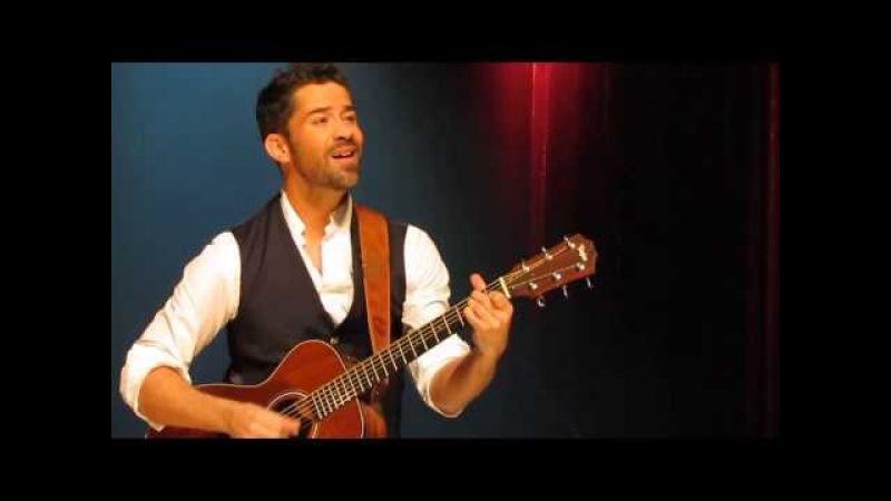 Emmanuel Moire - Chanson inédite à la guitare refrain Mon Essentiel - Lyon, 13 décembre 2013