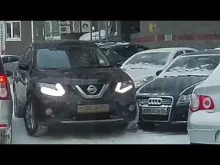 """""""Ниссан"""" скрылся с места ДТП в Сургуте"""