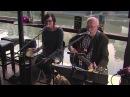 Hans en Anne Invernizzi spelen covers in café 't Ponton