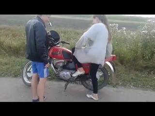 """Прикол!!!Вот так нужно заводить мотоцикл""""ИЖ Планета""""5!"""
