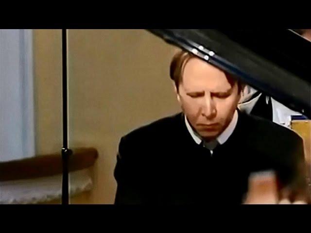 Mikhail Pletnev plays Rachmaninoff - Piano Concerto No. 3 (Moscow, 2003)