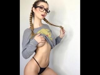 Шалит на работе gang bang дилдо anal сквирт фистинг вебка тощая fuck