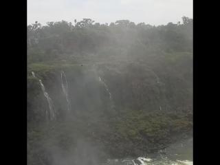 Водопады Игуассу,  garganta del diablo (Бразилия)