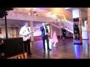 Жених поет собственную песню для невесты на свадьб