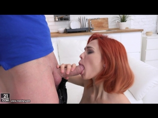 Michelle Can aka Michelle Carr - Pinup Gape