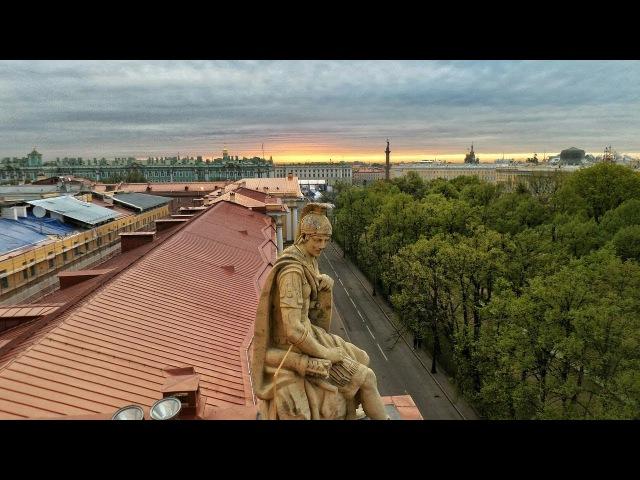 Оn the top the Admiralty building in Saint Petersburg