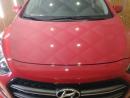 Восстановительная полировка кузова Hyundai i30 в работе.