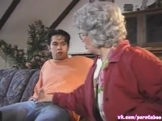 Порно ИНЦЕСТ - ВНУК выебал БАБУШКУ (Спалила за дрочкой) ебля сперма анал incest porn ретро табу taboo granny sex anal секс минет