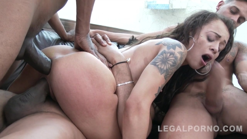 Holly Hendrix (Holly needs no toys, only three monster cocks SZ2020)[2018, Anal, A2M, Interracial, Gape, Gangbang, DP, 720p]
