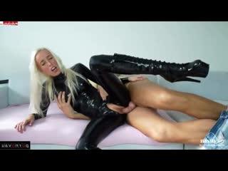 Laura Paradise  Latex &  Blondes &  Skinny / Beautiful lingerie , horsewoman , Heels , Crempai