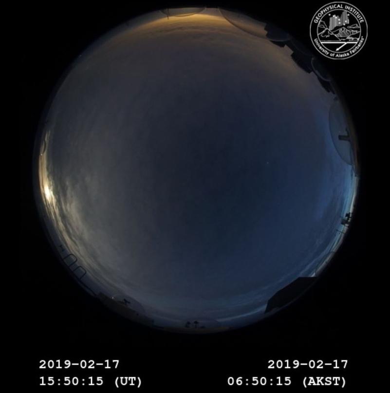 Изображение с камеры геофизического института Аляски
