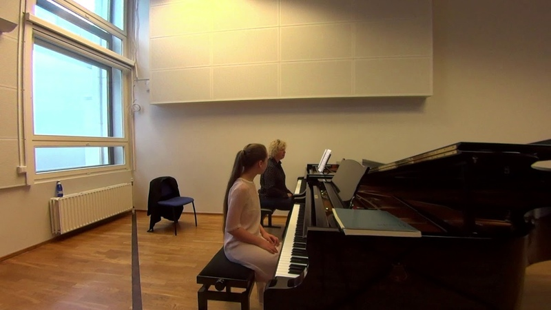04 10 2019 Mira Marchenko and Kristina Polov Master classes at the 'YOUNG MUSICIAN 2019' EAMT