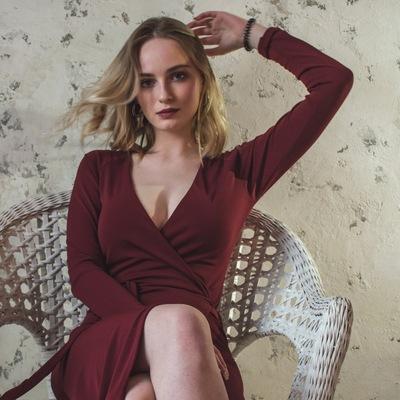 Лиза Анисимова