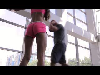 Фитнес для девушек. Приседания