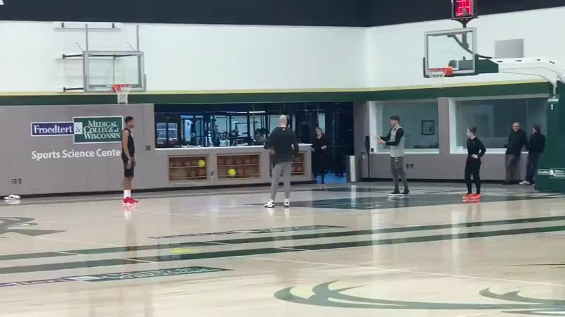 Enjoying watching the shooting conversation between Giannis Antetokounmpo, Kyle Korver, and Ben Sullivan after practice.
